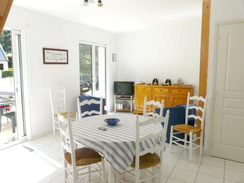 House with 2 bedrooms in Penestin with furnished garden 300 m from the beach