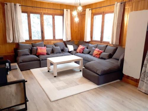 Chalet with 4 bedrooms in Saint Chaffrey with wonderful mountain view enclosed garden and WiFi 400 m from the slopes Serre Chevalier Chantemerle