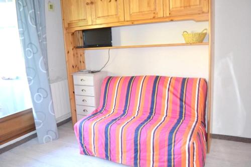 Studio in Allos with wonderful mountain view and furnished balcony 100 m from the slopes - Location saisonnière - Allos