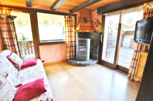 . Apartment with 3 bedrooms in La Chapelle d'Abondance with wonderful mountain view and furnished terrace 200 m from the slopes