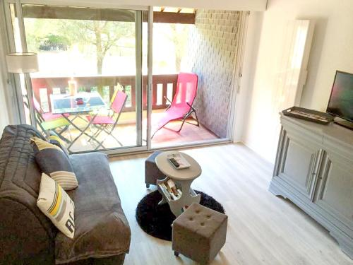 . Apartment with one bedroom in Carnac with furnished balcony 200 m from the beach
