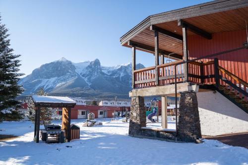 Rocky Mountain Ski Lodge - Photo 4 of 122