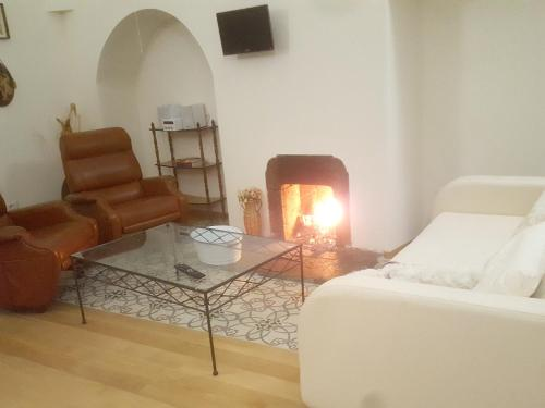 . Apartment with 2 bedrooms in Melfi 70 km from the beach