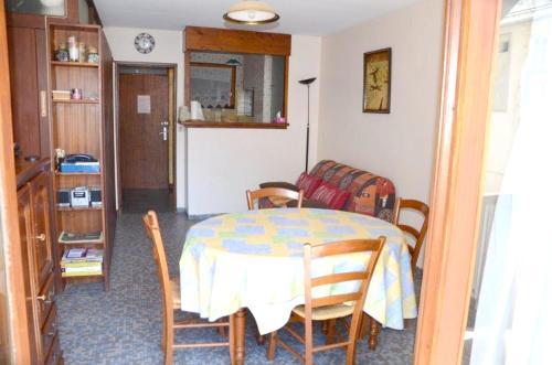 . Appartement de 2 chambres a Bagneres de Luchon avec magnifique vue sur la montagne et balcon amenage