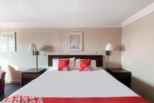 Hotel Wadsworth OH I 76