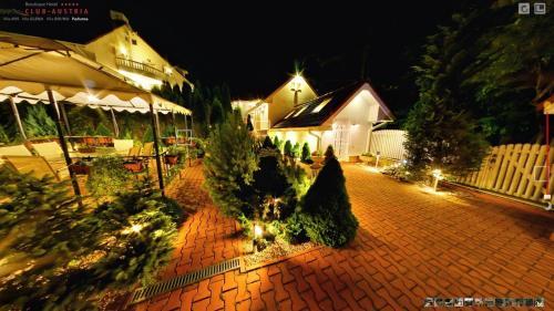 Boutique Hotel Club-Austria - Accommodation - Busteni
