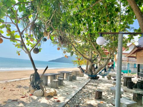 Baanchaylay Resort, Khanom
