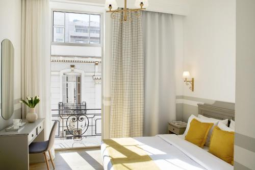 Luxembourg, Pension in Thessaloniki