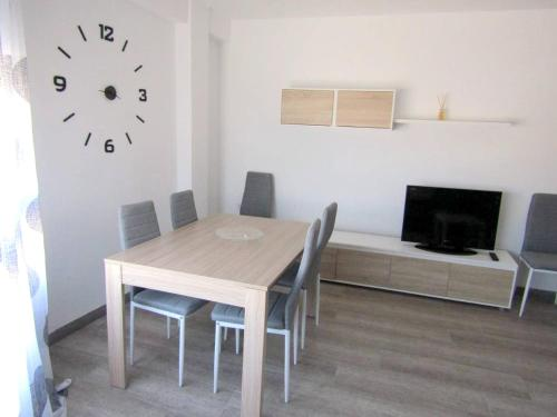 . Apartment with 3 bedrooms in Benetuser with wonderful city view and WiFi