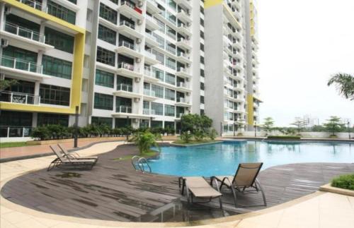 Johor Bahru @ Parc Regency Services Apartment ~ Near Mount Austin Ikea Toppen Shopping Centre, Johor Bahru
