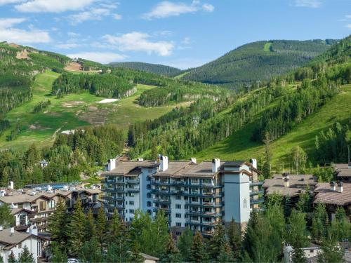Lodge Tower - Accommodation - Vail