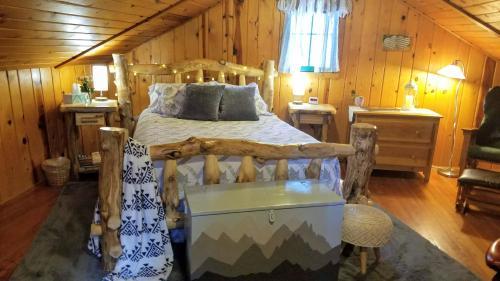 . Cottage at Pikes Peak