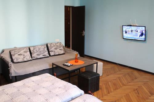 . Comfortable Apartment close to Central Park