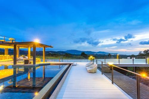 Villa Suriyan 8 Bedroom Layan Seaview Villa. (Butler Service, Beach Villa Suriyan 8 Bedroom Layan Seaview Villa. (Butler Service, Beach Shulttle and