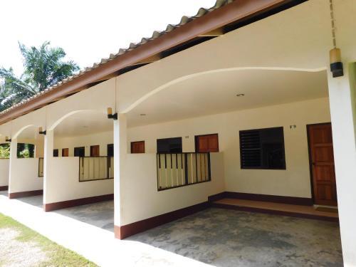 057 Resort 057 Resort