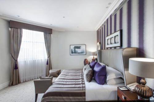 Taj 51 Buckingham Gate Suites and Residences Zimmerfotos