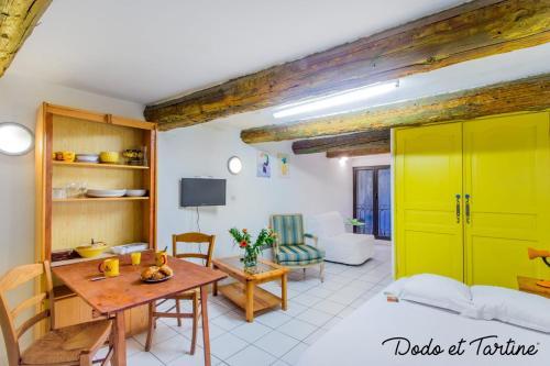 Captivating studio downtown with AC - Dodo et Tartine - Location saisonnière - Toulon