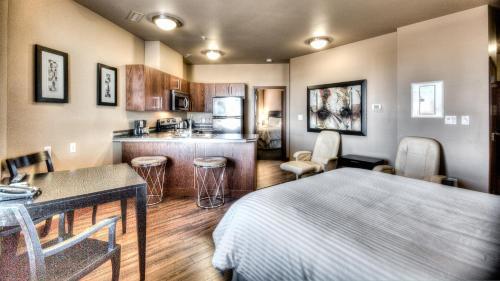Grand Inn & Residence- Grande Prairie