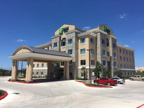 Holiday Inn Express & Suites San Antonio Brooks City Base