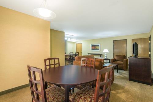 Holiday Inn Express Hotel & Suites Nogales - Nogales, AZ AZ 85621