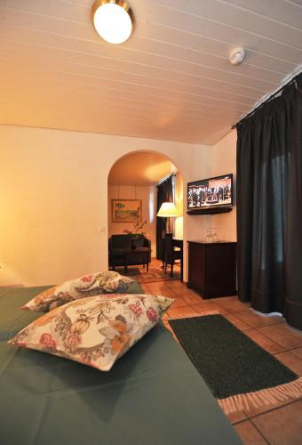 . Hotel Ristorante Grotto Serta