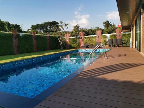 Luxurious Private Pool Villa Luxurious Private Pool Villa