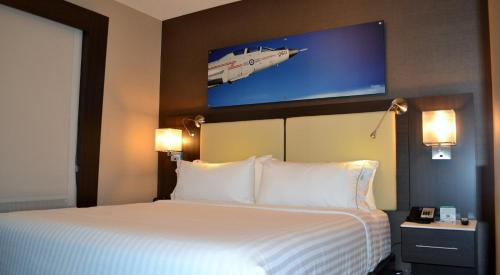 Holiday Inn Express & Suites Cold Lake - Cold Lake, AB T9M1X9