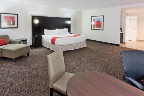 Holiday Inn Hotel & Suites Red Deer - Red Deer, AB T4E 1B3