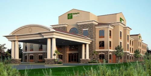 Holiday Inn Express & Suites - Redding