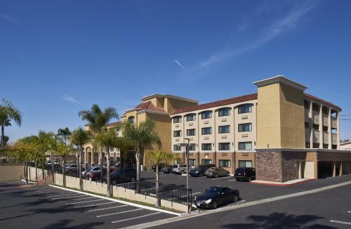. Holiday Inn Express San Diego South - National City, an IHG Hotel