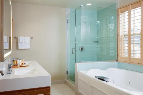 Holiday Inn Resort - Catalina Island - Avalon, CA CA 90704