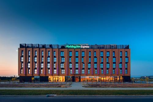. Holiday Inn Express - Rzeszow Airport, an IHG Hotel