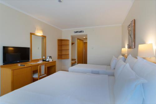 Superior Δίκλινο Δωμάτιο με θέα στην Ενδοχώρα (Superior Double Room with Land View)