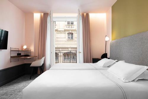 Photo - Hôtel Des Artistes