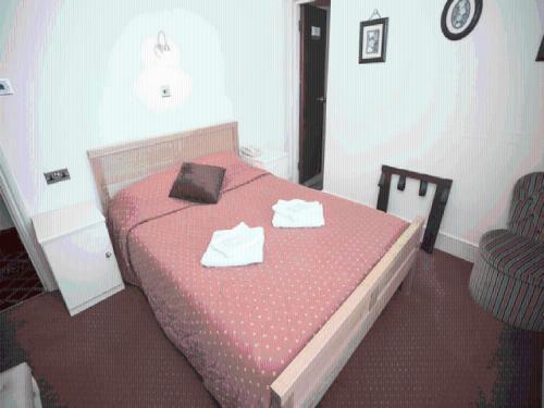 Oyo Ridgeway Hotel - Photo 3 of 39