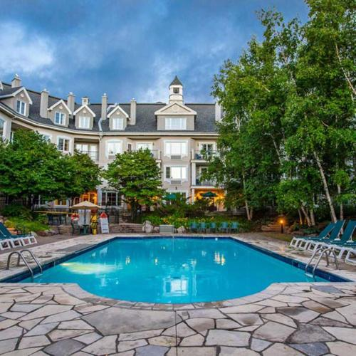 . Holiday Inn Express & Suites Tremblant, an IHG Hotel