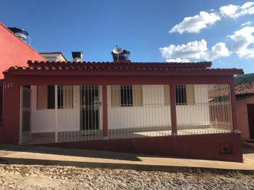 Casa de 3 quartos (1 suíte) região central de Capitólio