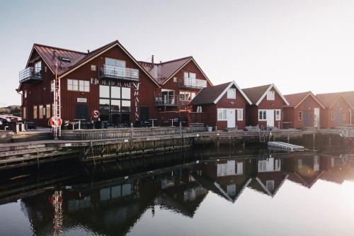 . Björholmens Marina & Hotell