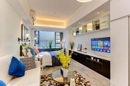 . Sun Gold Apartment(Panda Base)