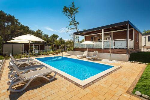 . Premium Camping Homes Santa Marina, Lanterna