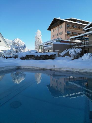 . Hotel Cresta