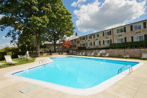 Radisson Hotel Harrisburg - Camp Hill, PA 17011