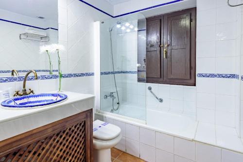 Standard Single Room Palacio de Santa Inés 13