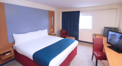 Ramada London North photo 9