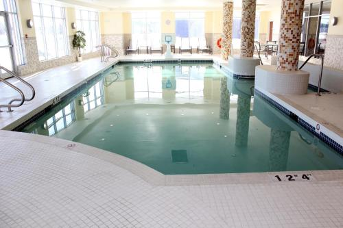Holiday Inn Express Hotel & Suites Bonnyville