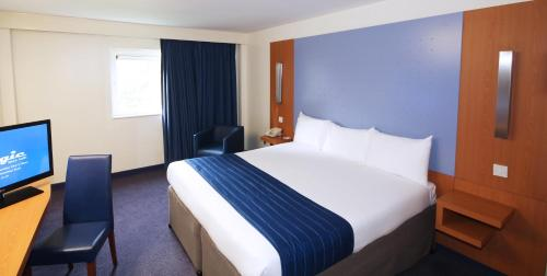Ramada London North photo 11