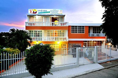 HotelZamy's Place