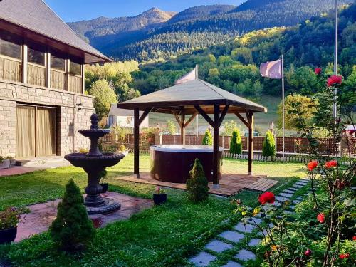 Gran Chalet Hotel And Petit Spa