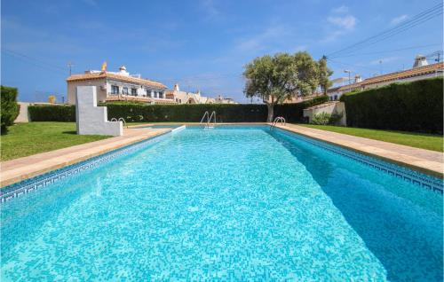 Amazing apartment in Torrevieja w/ Outdoor swimming pool, WiFi and Outdoor swimming pool
