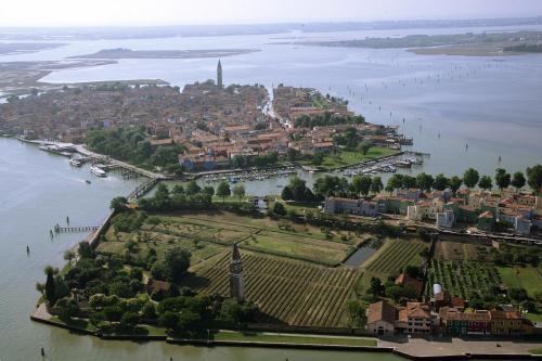 Fondamenta di Santa Caterina, 3 - Isola di Mazzorbo, Mazzorbo 30142, Venice, Italy.